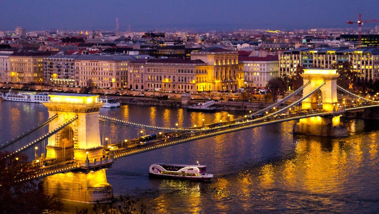 Kouzlo adventní Budapešti